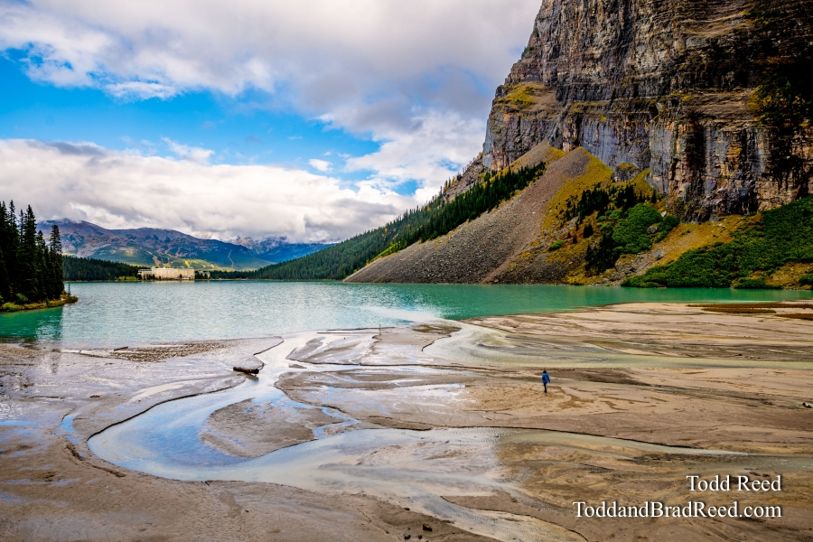 Trekking to Lake Louise